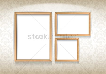 Classic : Photo frames on wall