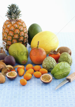 Variety : Arrangement of exotic fruits