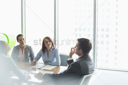 Businesswomen : Business meeting in boardroom