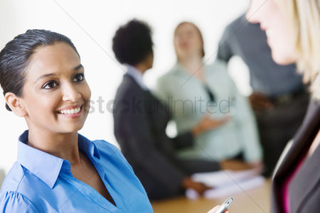Businesswomen : Businesswomen talking