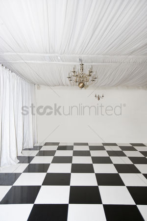 Dance : Chequered floor in pop up marquee