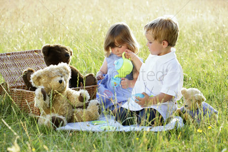 Children playing : Children s picnic