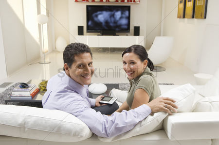 Husband : Couple watching tv