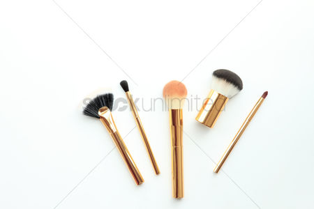 Sets : Flat lay of cosmetic brushes