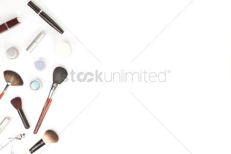 Flat : Flatlay of white background with makeup accesories