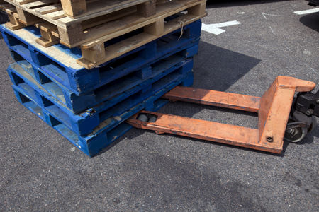 Forklift : Forklift and wooden crates outdoors