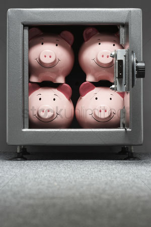 Pink : Four piggy banks in safe