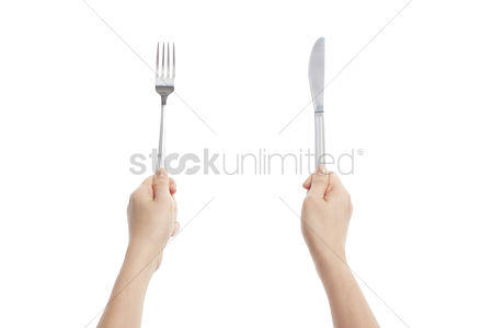 Grasp : Hands holding fork and knife