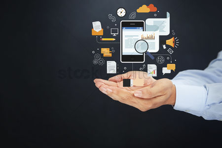 Magnifying glass : Hands presenting online marketing concept