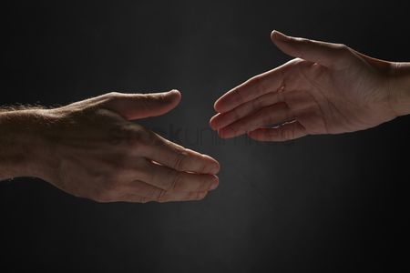 Black background : Handshake gesture