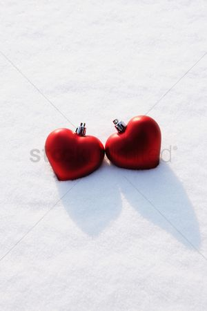 China : Heart-shaped christmas baubles
