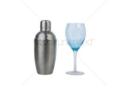 Accessories : Mix shaker with a cocktail