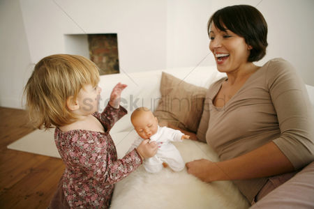 Children : Mother and daughter having fun