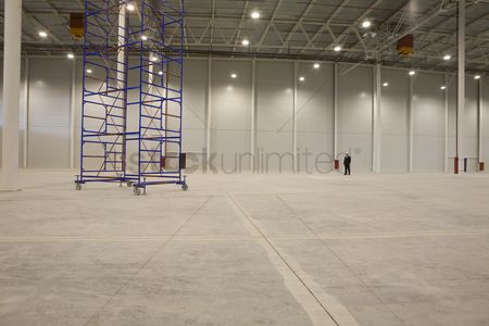 Spacious : Movable stacking frame in empty warehouse