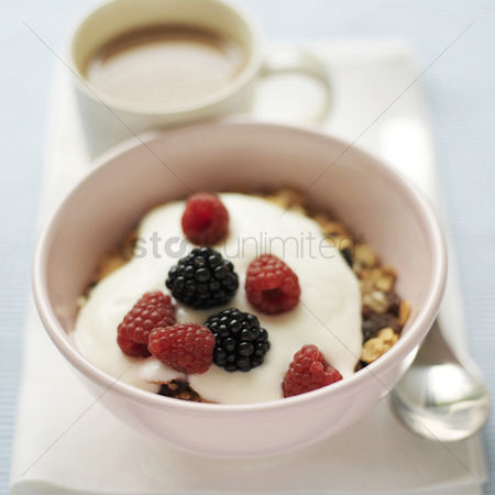 Food  beverage : Muesli and yoghurt