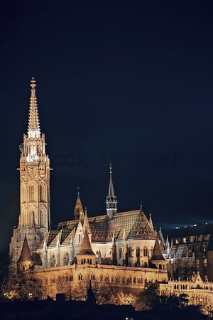 Attraction : Night cityscape of the matthias church in budapest  capital of hungary