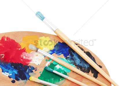 Learning : Paint brushes and wooden palette