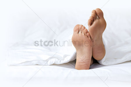 Resting : Person s foot in bed