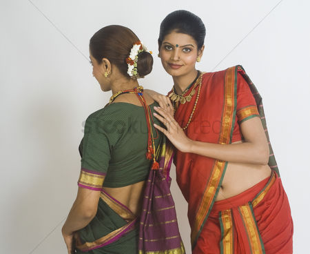 Dance : Portrait of a woman standing with her friend