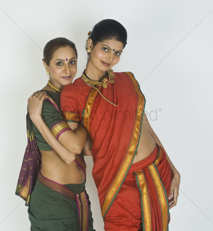 Dance : Portrait of two female folk dancers posing