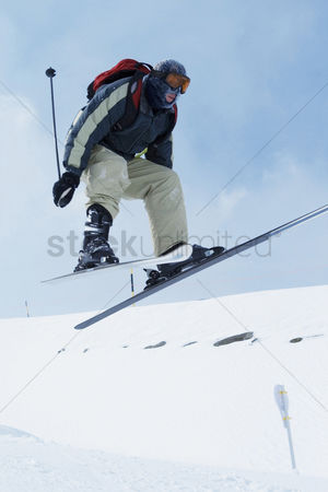 Coldness : Skiing  winter sport
