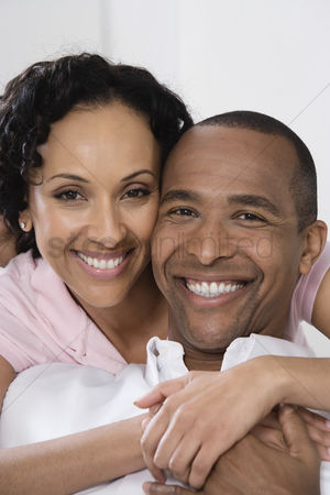 Posed : Smiling couple