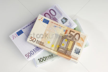 Pile : Stack of european currency