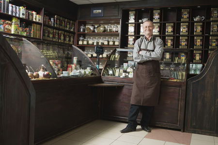 Food  beverage : Tea shop owner in store
