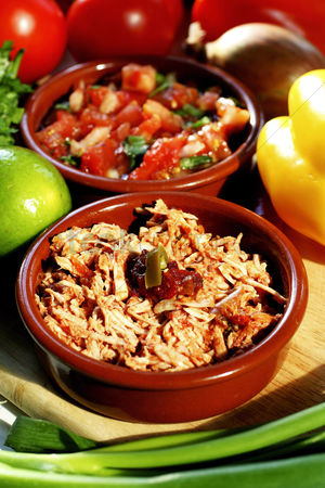 Spring : Tuna flakes and tomatoes