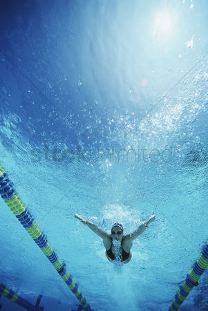 Swimmer : Underwater view of swimmer in pool