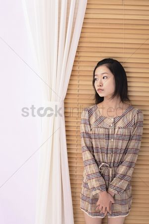 Daydream : Woman staring blankly at a space